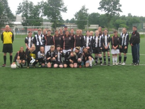 Pictured are the U16s with their first match opponents UOW02 FC